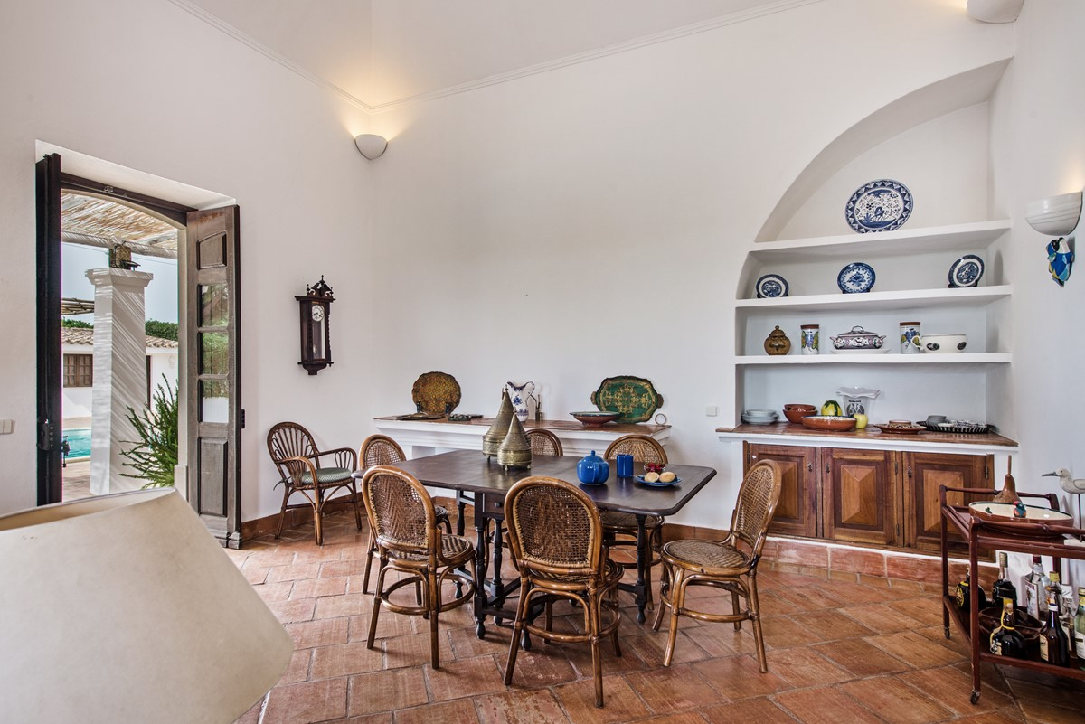 Villaone Dining Space