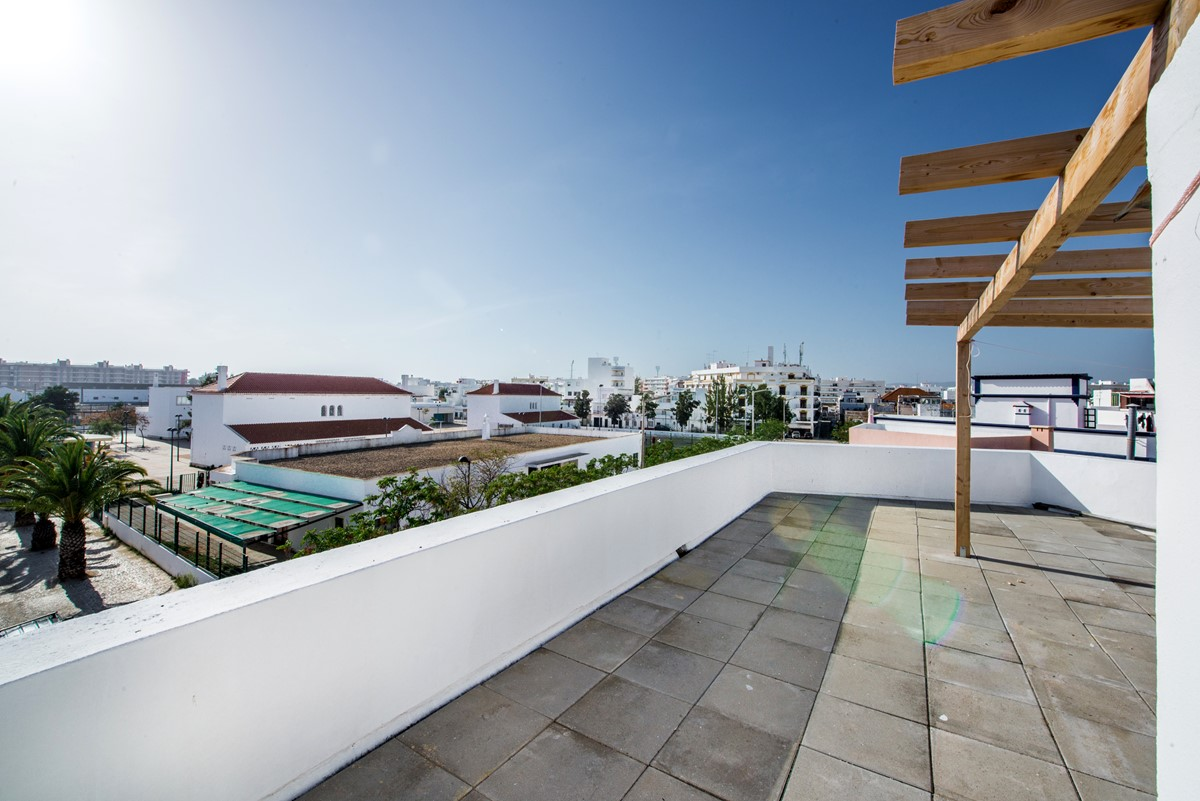 Enjoy the roof top views with the BBQ