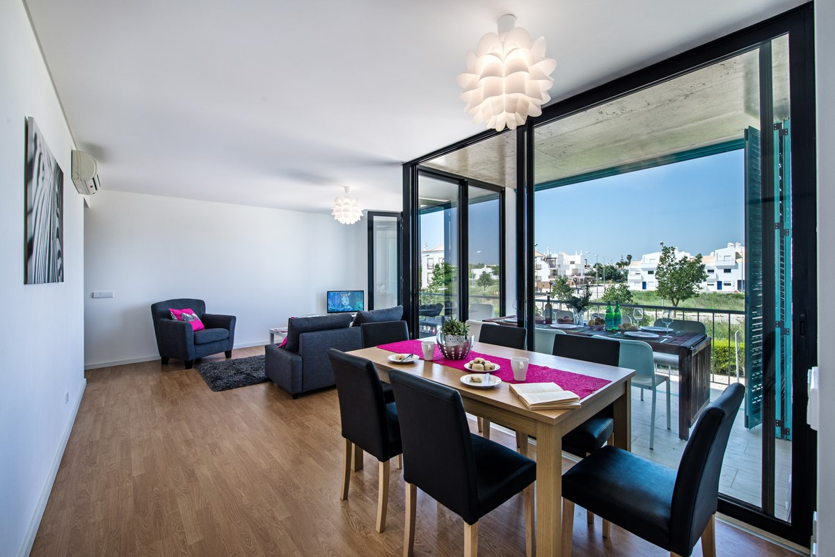 Fantastic open space with the dining area