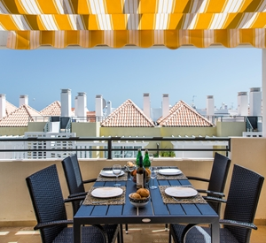 Penthouse with a gorgeous private roof terrace, 2 bedrooms, wifi, aircon