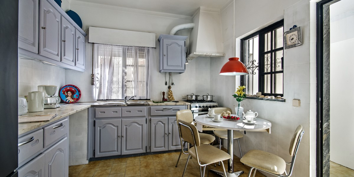 A well equipped kitchen to suit a family holiday