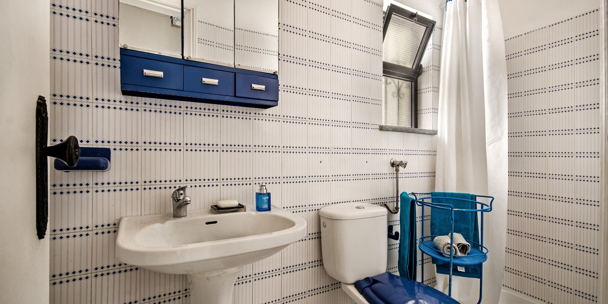 Bathrooms are full with a shower or bath