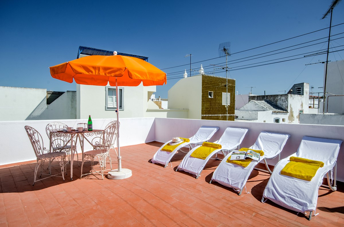 Super sun loungers on the roof terrace