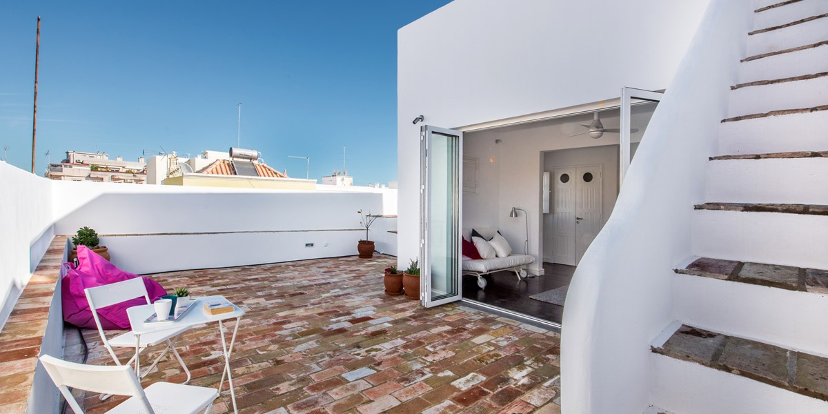 Lower Terrace with the plunge pool, simply stunning