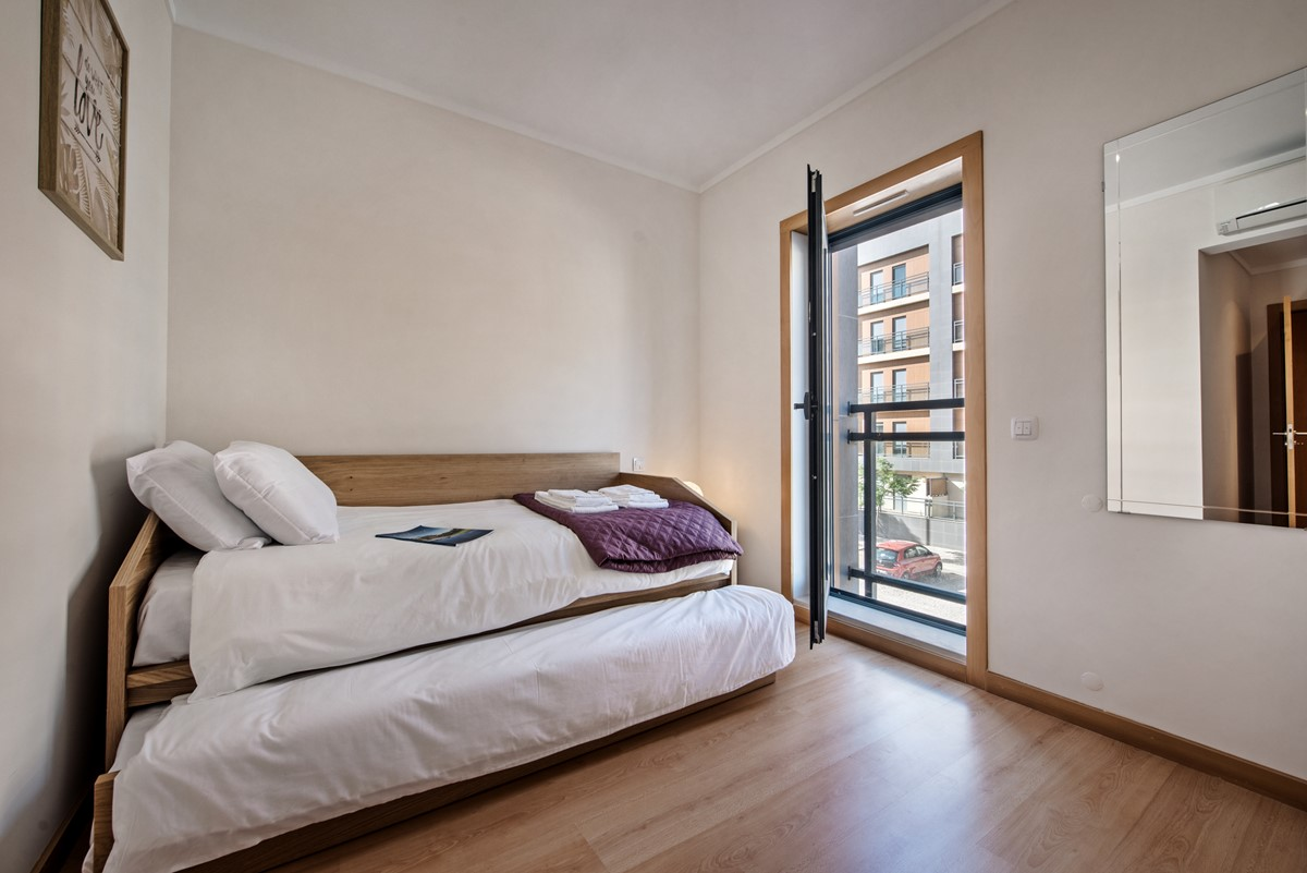 Twin Room At The 3 Bed Apartment Oliviera