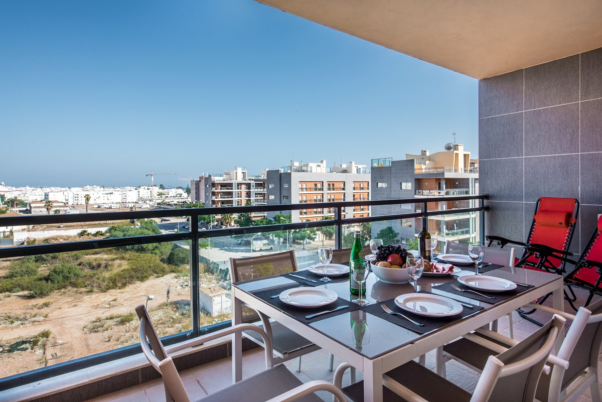 Relax In Modern Comfort At The Apartments At Marina Village In Olhao