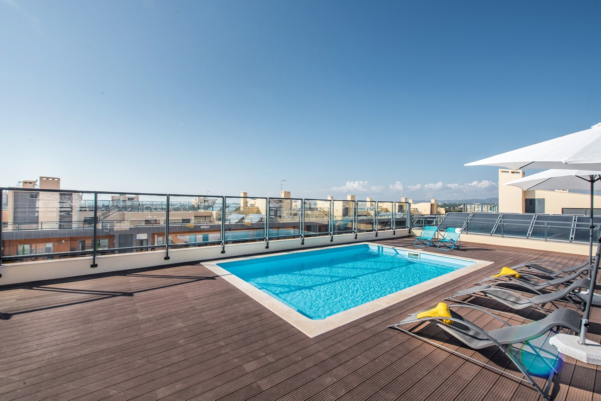 Swiiming Pool On The Roof Top At Our Marina Village 2 Bed Apartment