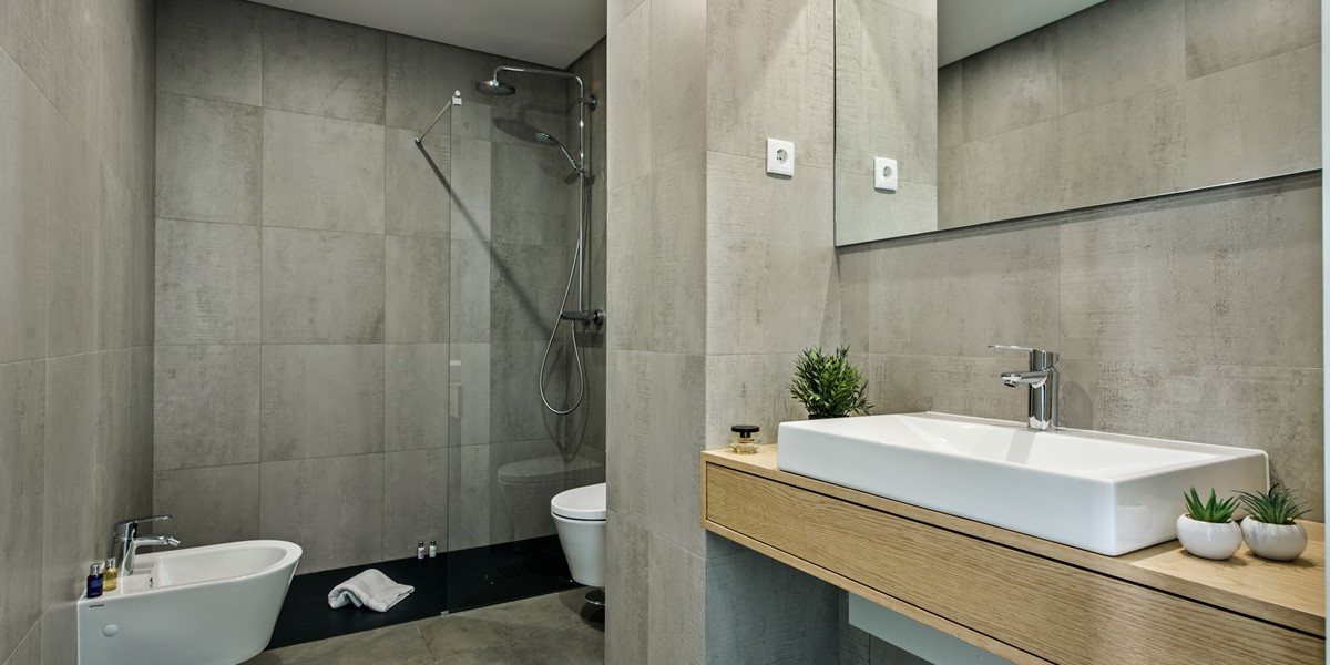 A Modern Stylish And Functional Bathroom