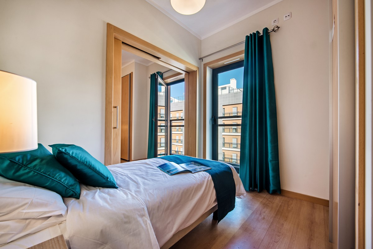 This is the linked single bedroom in our 3 bedroom apartment