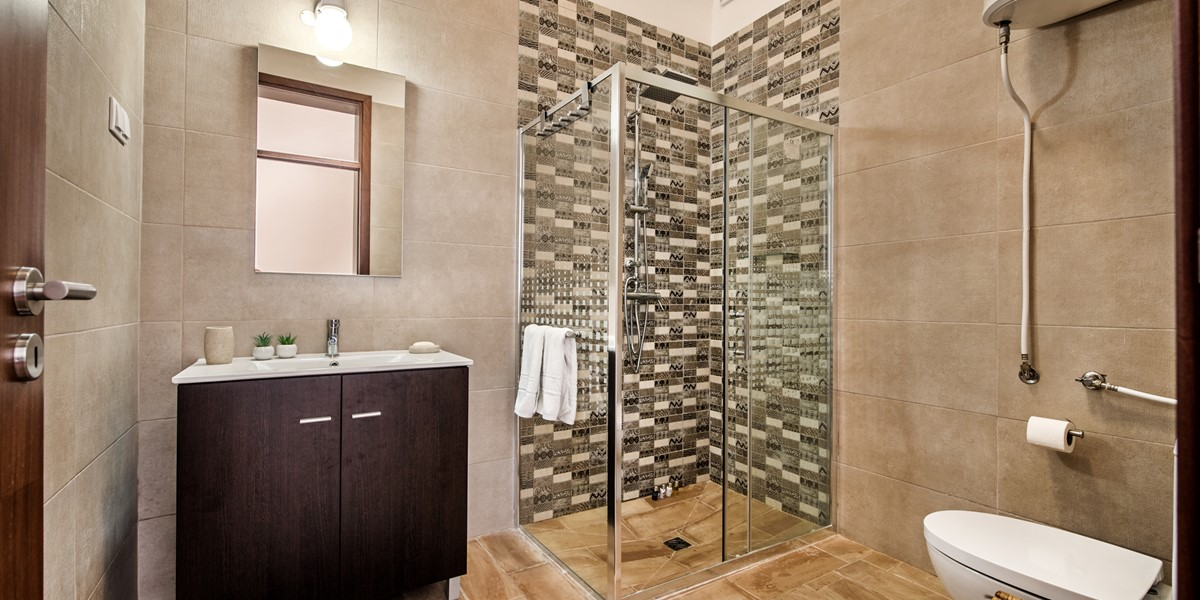 A Modern And Smart Renovated Bathroom