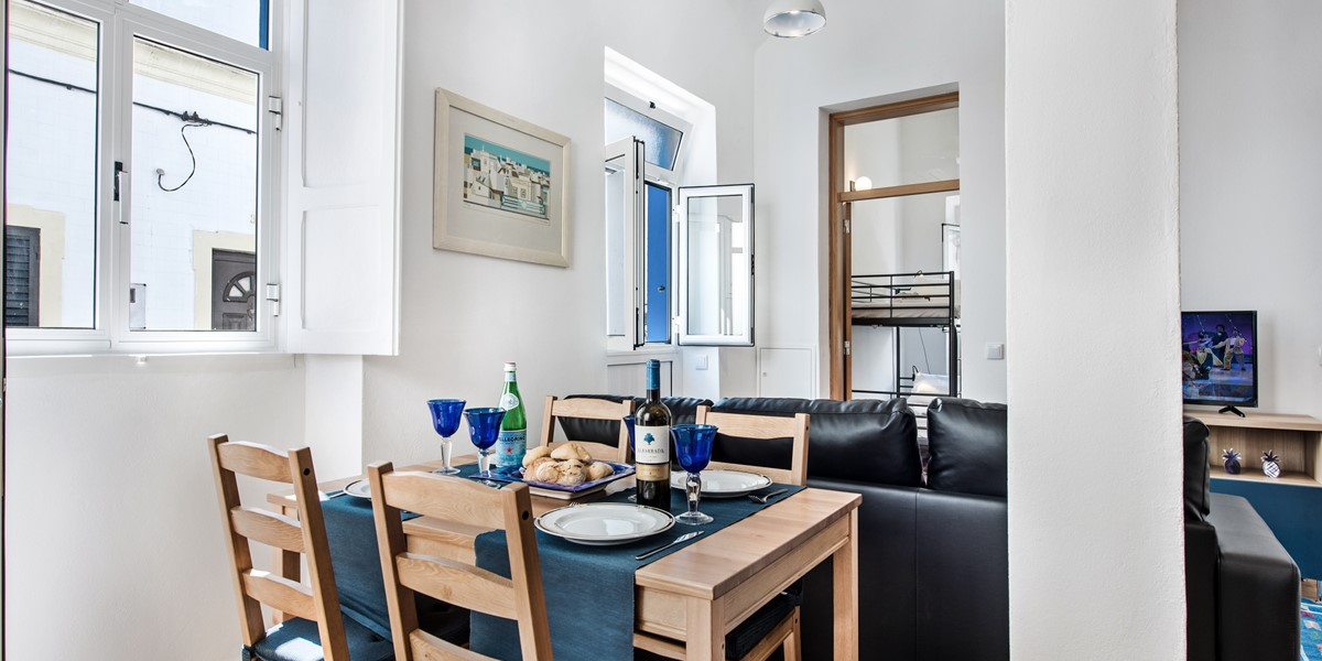A Wonderful Spacious Bright Open Space In Or 2 Bedroom Holiday Cottage