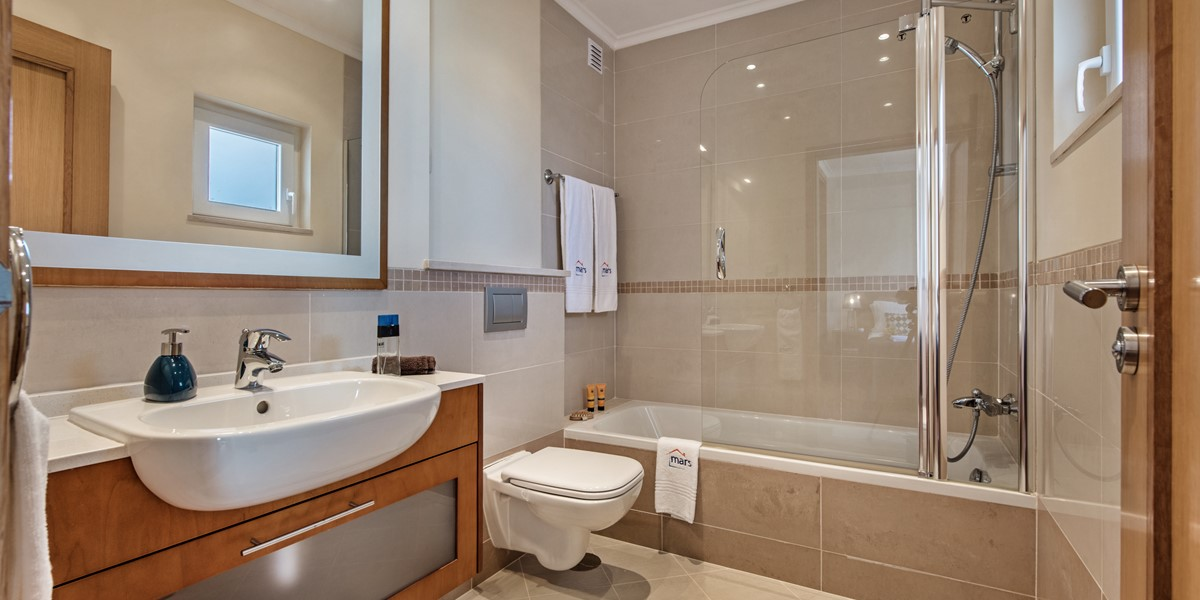En Suite Facilties Include A Full Size Bath At Our 3 Bedroom Villa