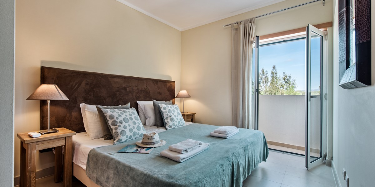 Checkout The Superkingsize Bed At Apartment Lusitana By Marsalgarve